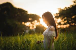 hulp bij slachtofferrol via hypnose weer gelukkig worden